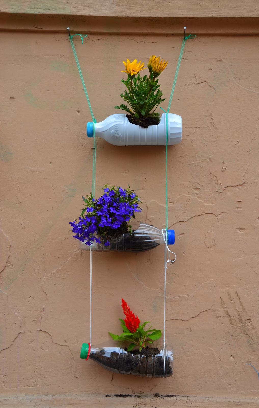 Bottiglie di plastica come vasi riciclo verde e design for Vasi rettangolari plastica