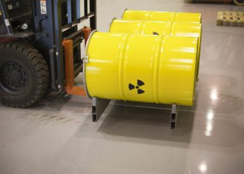 Alcuni bidoni contenenti scorie nucleari