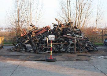Un'azienda che ricicla materiali ferrosi