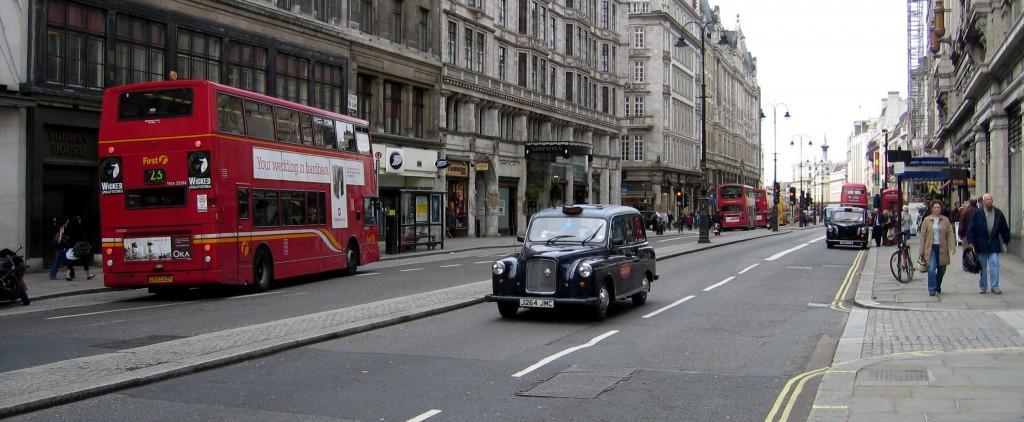 Un tipico taxi londinese