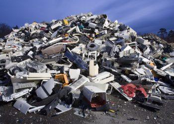 Un cumulo di rifiuti tecnologici