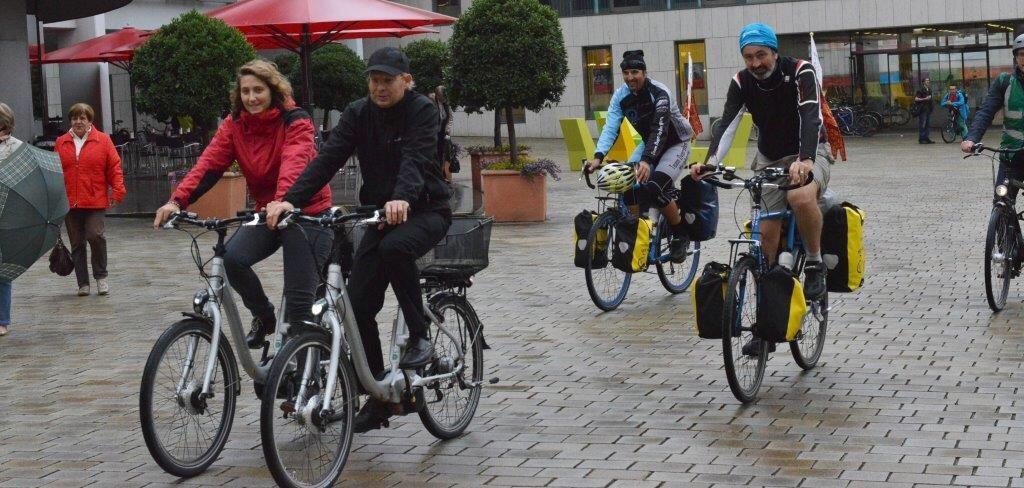 Daniele Pernigotti e alcuni compagni di pedalata