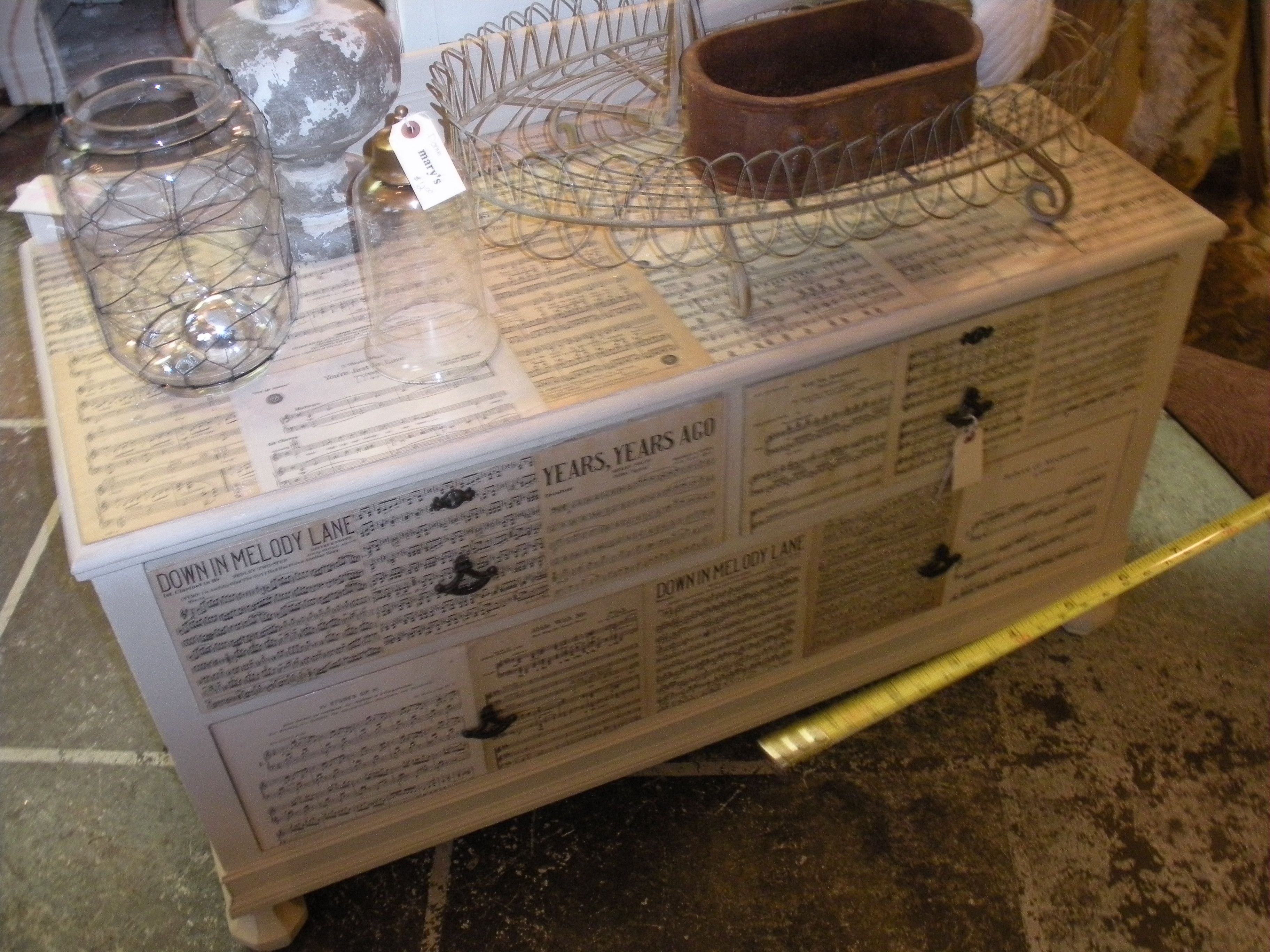 Qualche idea per rinnovare le vecchie cassettiere - Decoupage mobili legno ...