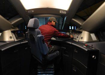 La cabina di guida di un treno Italo (foto: ilpost.it)