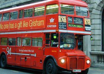 Un tipico bus londinese (foto: http://www.lawrencenorfolk.com/)
