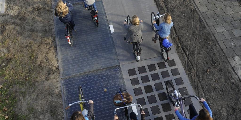 La pista ciclabile ricoperta di pannelli solari (foto: http://www.solaroad.nl/)