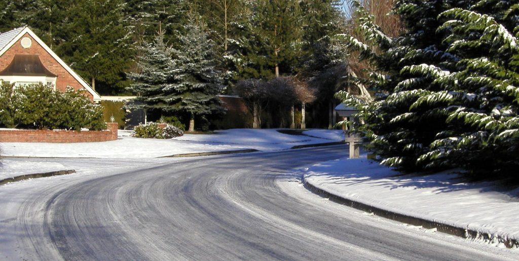 Una strada ghiacciata (foto: freeimages.com)