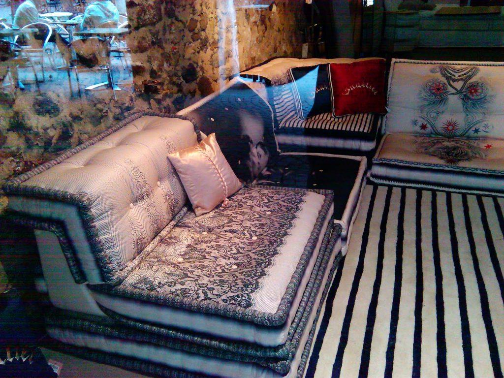 Vecchi materassi diventano divani (www.three4style.com)
