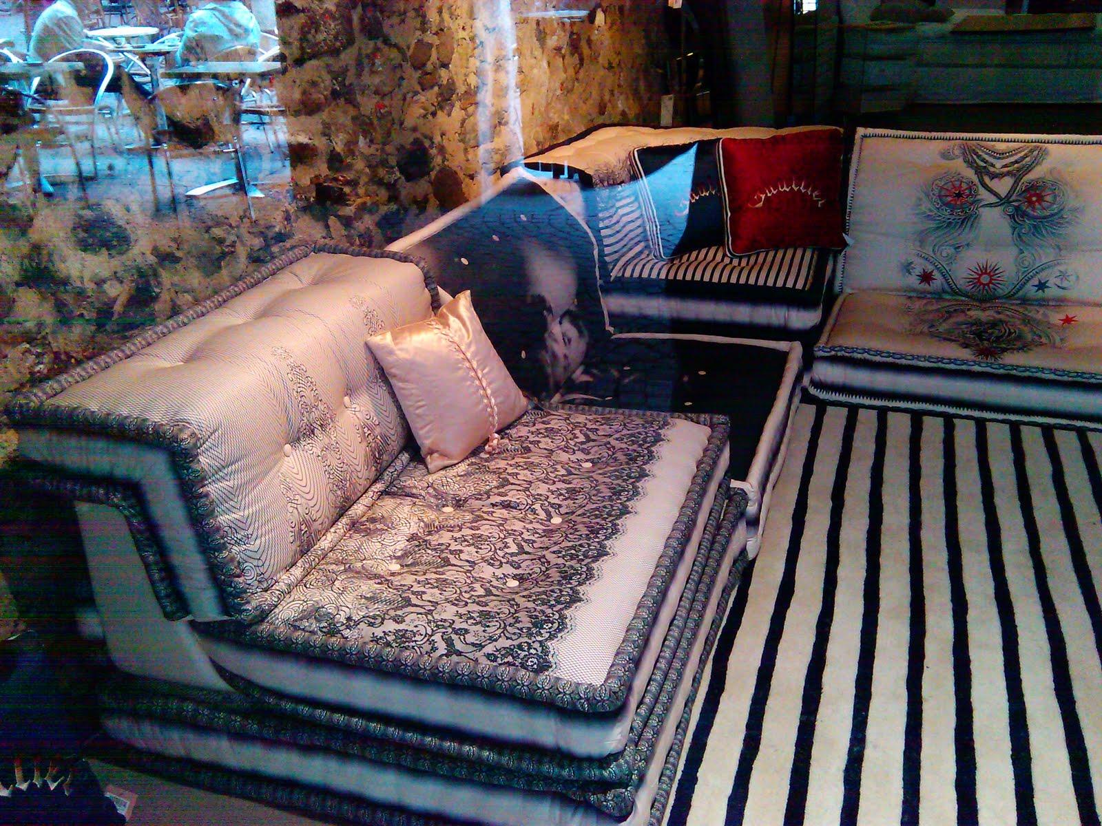 Che fine fanno i vecchi materassi in francia - Divano fatto con materassi ...