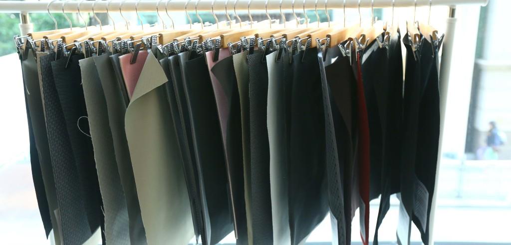 Il tessuto ricavato dai sedili della automobili (foto: www.ecochicdesignaward.com)
