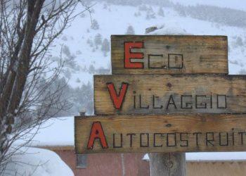 Un cartello (foto: www.facebook.com/EVAPescomaggiore)