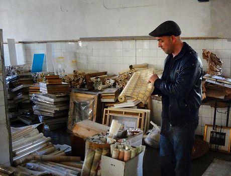 Nicolas Dorosz all'interno del laboratorio di Volverup