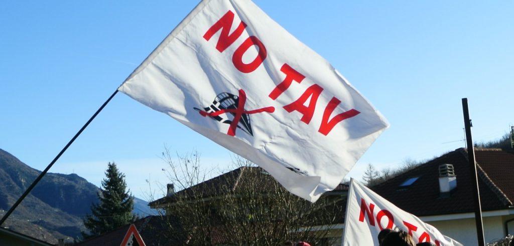 Bandiere del movimento No Tav (foto: beppegrillo.it)