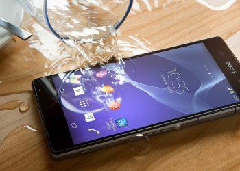 Uno smartphone Sony water proof (foto: mostepicstuff.com)