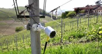 Una delle telecamere installate da Ixem nelle campagne piemontesi (foto: www.lapresse.it)