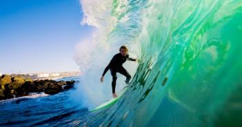 Un surfista (foto: http://www.despegar.com.ar/)