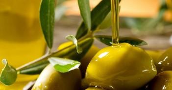 Olio di oliva (foto: www.pugliamonamour.it)