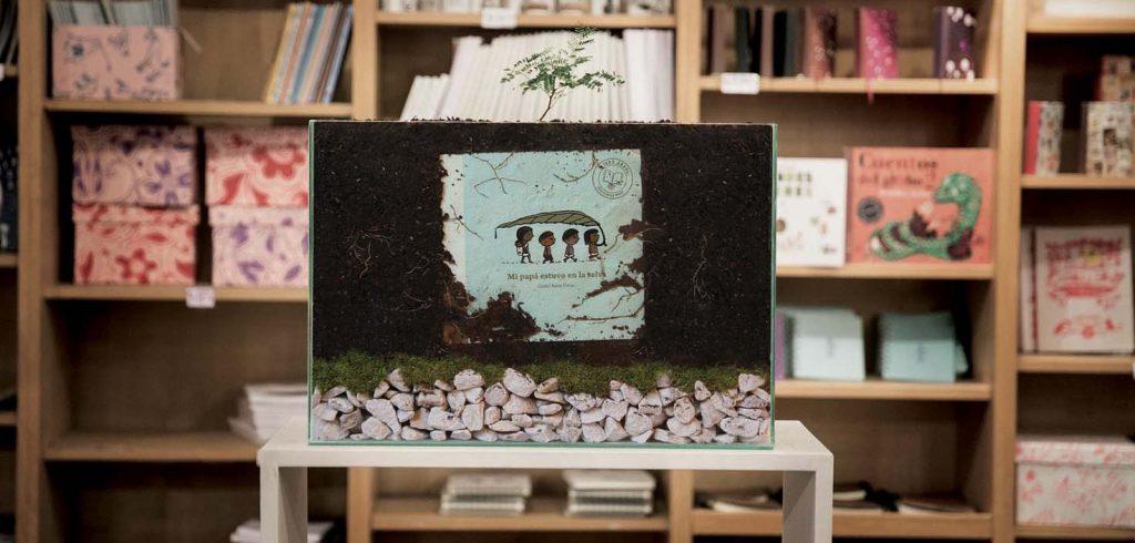 Il libro-albero di Pequeno Editor (foto: www.artspecialday.com)