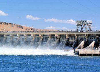 Una diga, sistema di produzione di energia idroelettrica