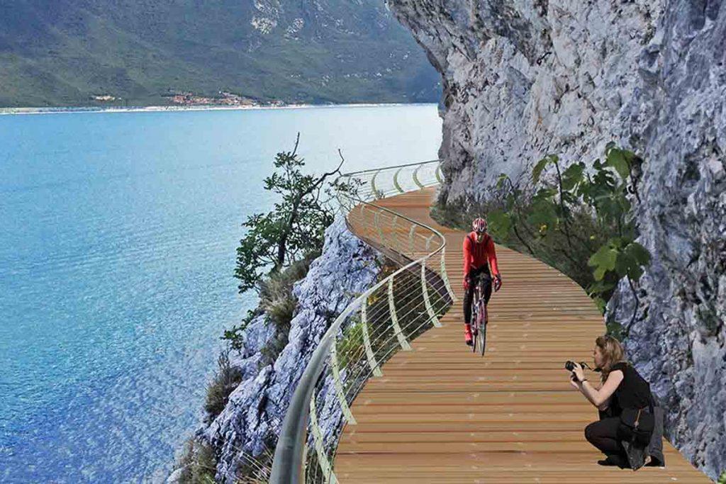 Ciclabile sul lago di Garda