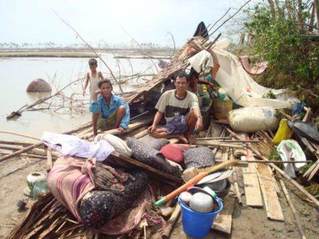 Cambiamenti climatici: sopravvissuti al Ciclone Nargis in Myanmar (foto: http://www.unhcr.org/)