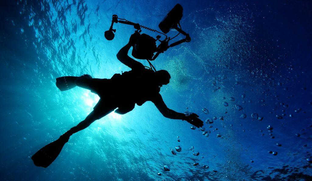 Mare e sub (foto: https://pixabay.com)