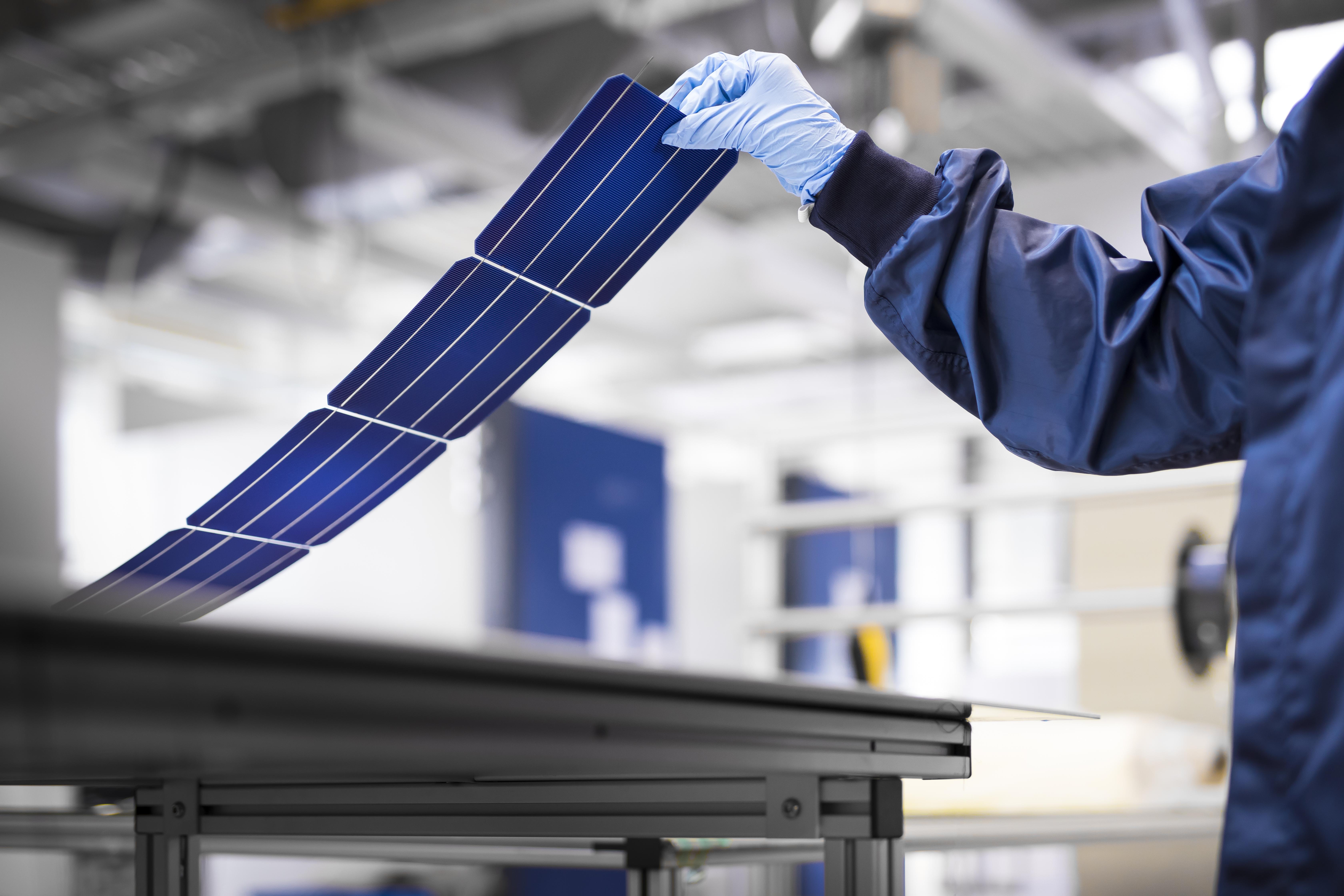 pannelli fotovoltaici con foto