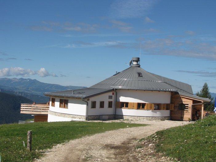 Architettura sostenibile in legno le baite pi belle e for Le piu belle baite in montagna