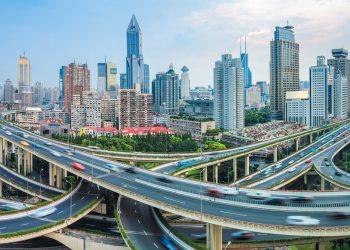 Smart city e traffico sostenibile: alcune idee per strade meno congestionate
