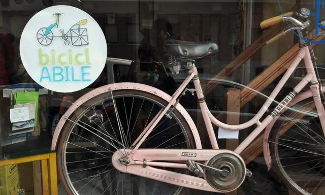 Sempre più spesso un Italia sta prendendo piede l'arte del RiCiclo, un'azione di raccolta e rimessa in sesto di bici abbandonate sulle strade italiane