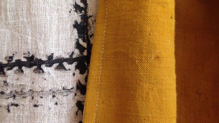 sciarpe dipinte con lo smog