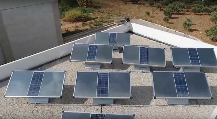 pannello solare che produce acqua potabile