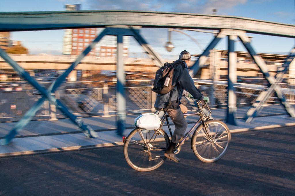 in bici al lavoro città (città bike to work (foto: https://pixabay.com)